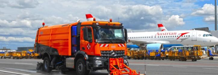 Lieferung einer AS 990 mit Zwischenachskehreinheit an den Internationalen Flughafen in Astana , Kasachstan