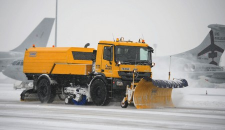 Aktuelles: THG AG hat an den Flughafen Astana, Kasachstan, Compacte Kehrblasgeräte verkauft